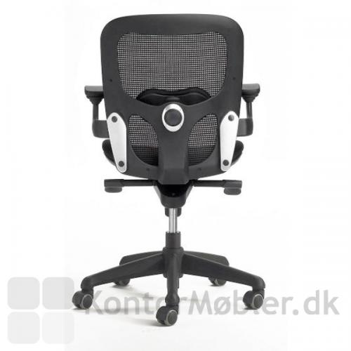 Iko kontorstol har ergonomisk synkronfunktion som gør sæde og ryg følger kroppens naturlige bevægelser