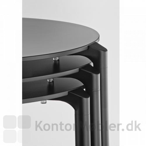 Stablede 3-bens jump borde i sort