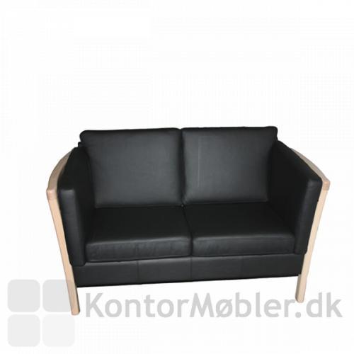 IDA sofa med gavl i lakeret bøg
