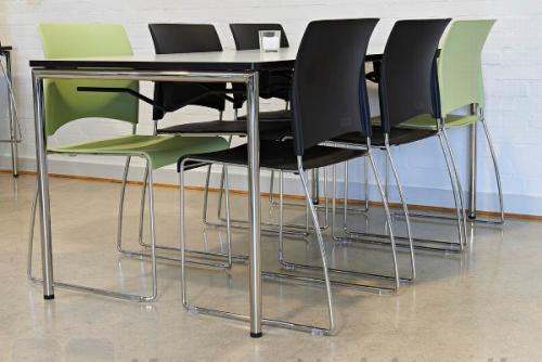 Delta kantinebord med Sting stole