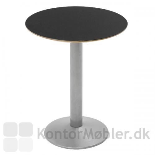 Cafébord med sort linoleums bordplade og Tonda stel i alu