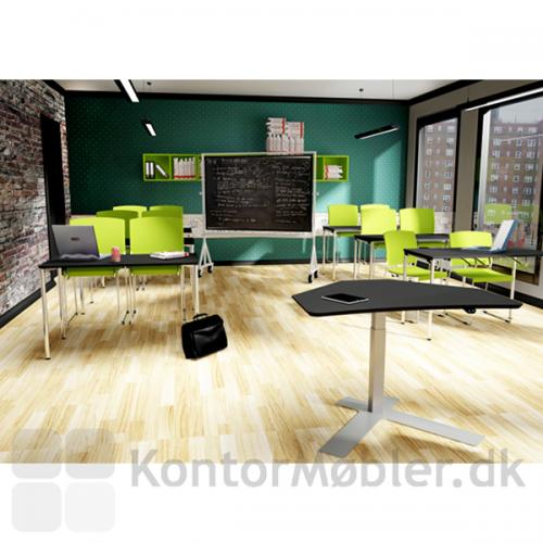 Delta enkelt-søjlet bord som kateder i klasseværelset
