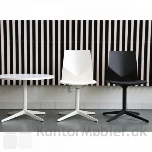 Four Cast´2 Evo uden hjul, kan vælges med stel i stengrå, hvid eller sort