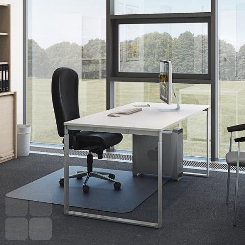 Fumac frame med hvid bordplade i kontor