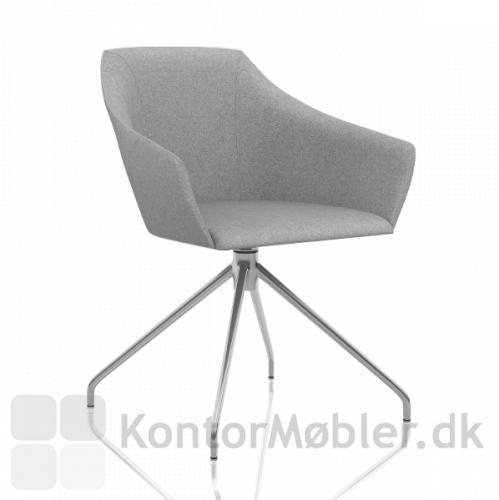 Wind Style mødestol, pyramidestellet har 4 ben i krom og drejbart sæde