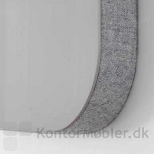Mood Fabric Wall hjørne med Blazer Lite stof og glasplade
