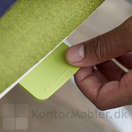 Connex2 betjeningsknapper kan vælges i farverne sort, grå-hvid, blå eller grøn - sædedybde regulering