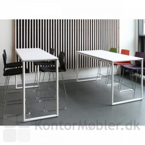 Four Standing bord med hvid bordplade og hvidt stel