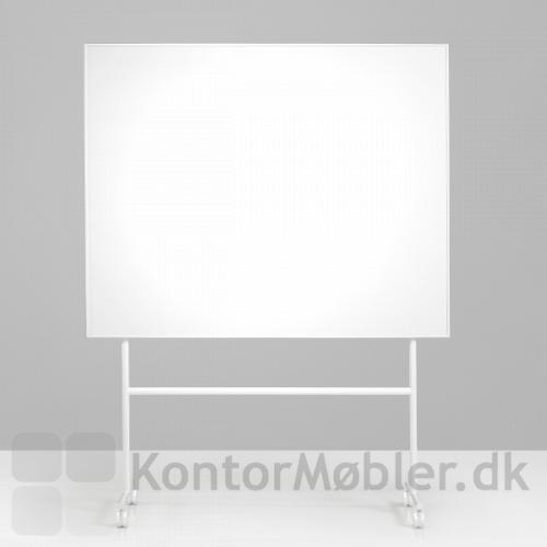 One mobil whiteboard med enkeltsidet skrivetavle og hvidt stel