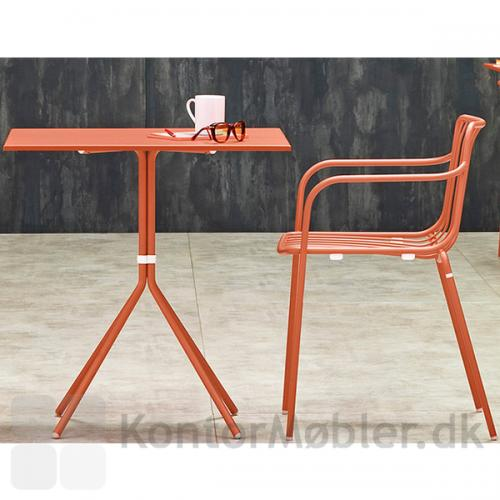 Nolita bordet med kvadratisk bordplade og 4 ben