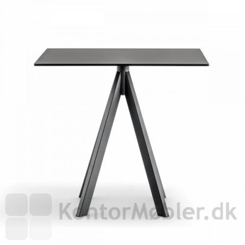 ARK4 bord i sort med bordplade i sort nano laminat