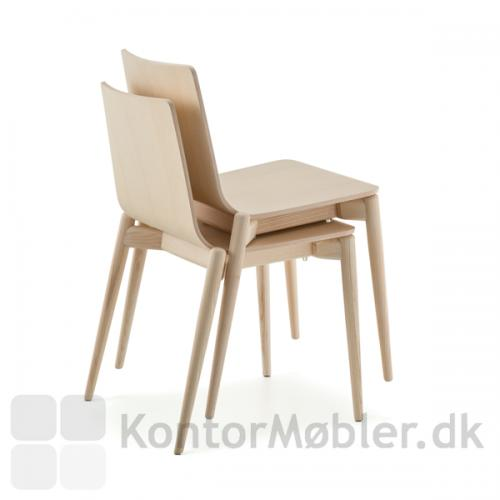 Malmö stol kan stables, og er ekstrem rustik og stærk i sit design