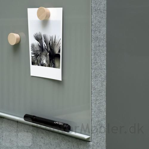 Mood Fabric Mobile 150x196 cm, har en diskret pennehylde