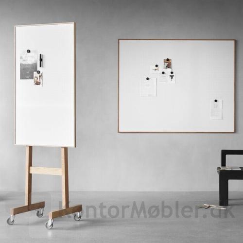 Wood mobil whiteboard kombineret med Wood whiteboard, giver indretningen ensartethed