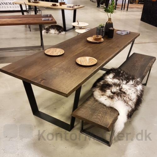 Mani Pine bord med bænk, begge med trapezben