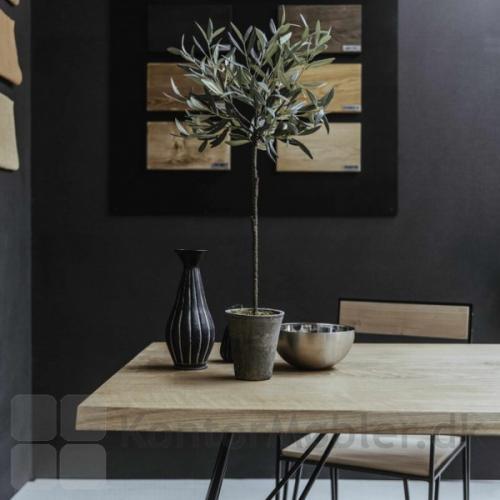 Mani Pine bord med hvid olieret egetræsplade