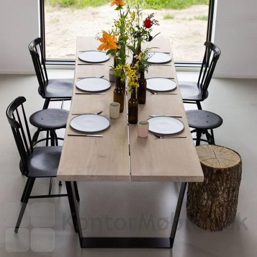 Mani Pine spisebord med trapezben og hvid olieret bordplade