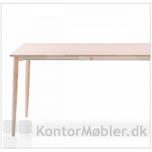 Malmö møde udtræksbord med en udtræksplade