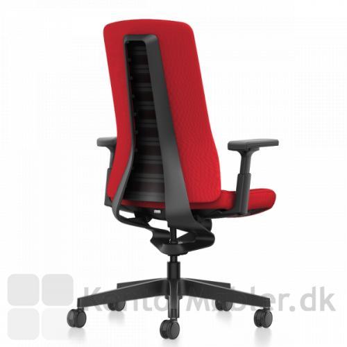 Pure kontorstol med sort stel og 3D armlæn