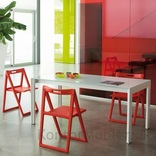 Enjoy klapstolen kan opbevares og tages frem efter behov