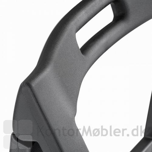 Enjoy stabelstol er støbt i polypropylen