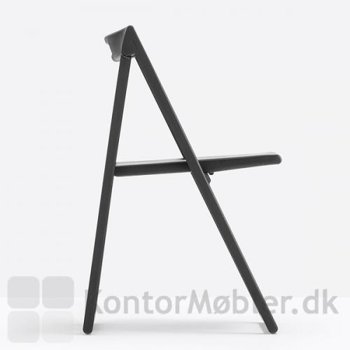 Enjoy stabelstol har et enkelt design