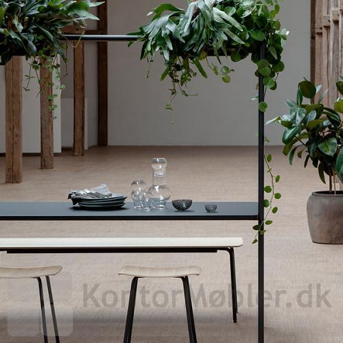 Four Real A multifunktionsmøbel kan vælges med bordhøjde 74 eller 90 cm