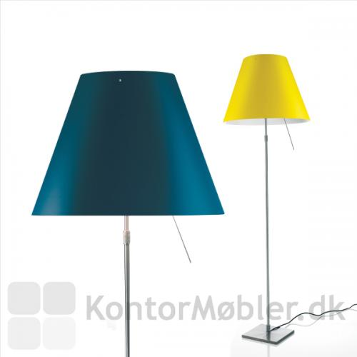 Costanza gulvlampe i Petroleum blue og Smart yellow