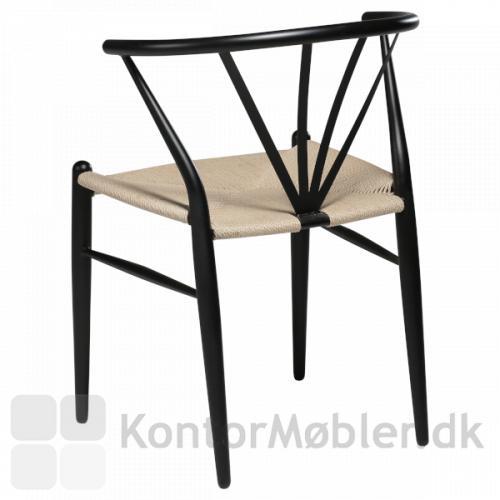 Delta fletstol med sort stel og sæde i naturflet