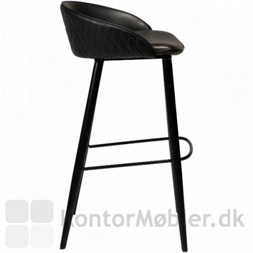 Dan-Form Dual barstol i sort vintage kunst læder. Fodstøtte og sorte pulverlakerede ben
