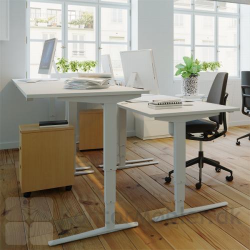 Conset 501-43 hæve sænke bord med hvid bordplade og hvide ben