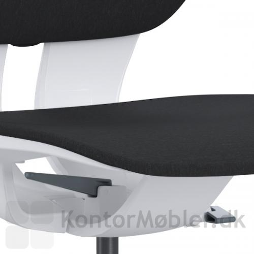 LIM kontorstol er polstret med den modstandsdygtige polstring Fame.