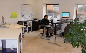 Kontorindretning med Dencon hos kontormøbler.dk