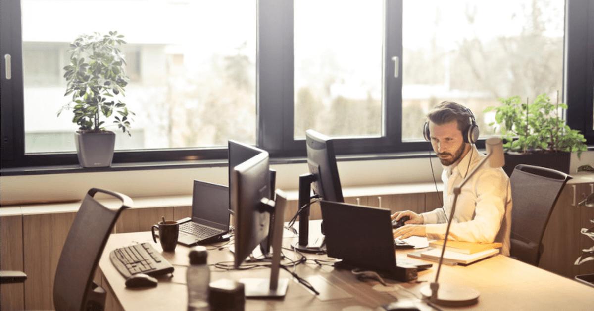Sæt gang i arbejdspladsen - danskernes dårlige siddevaner